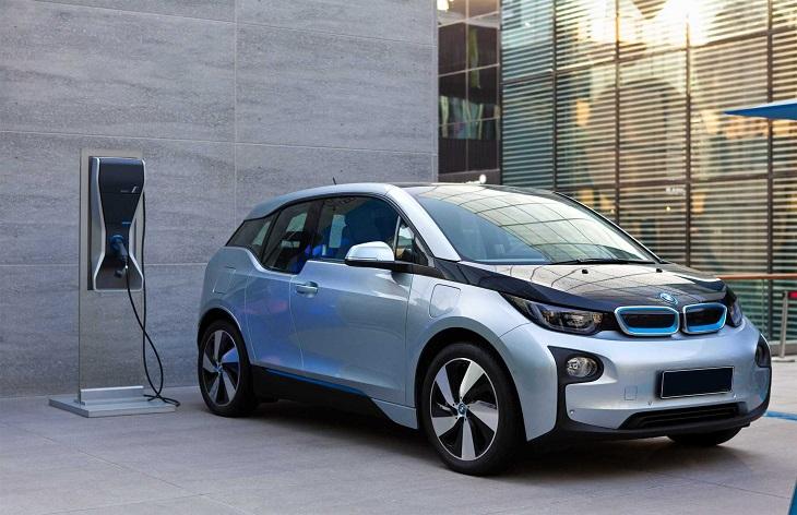 BMW с поглед към бъдещето