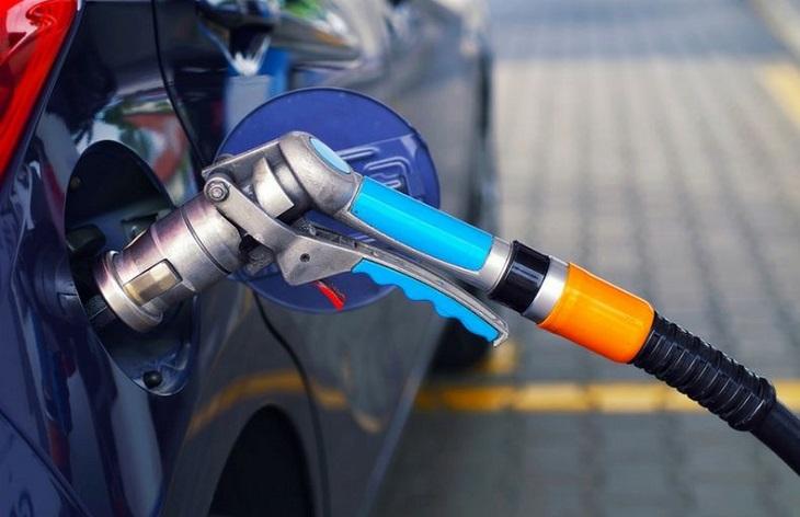 Дали газта е вредна за двигателя?