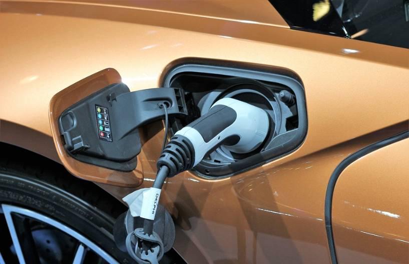 Колко електромобила има в България?